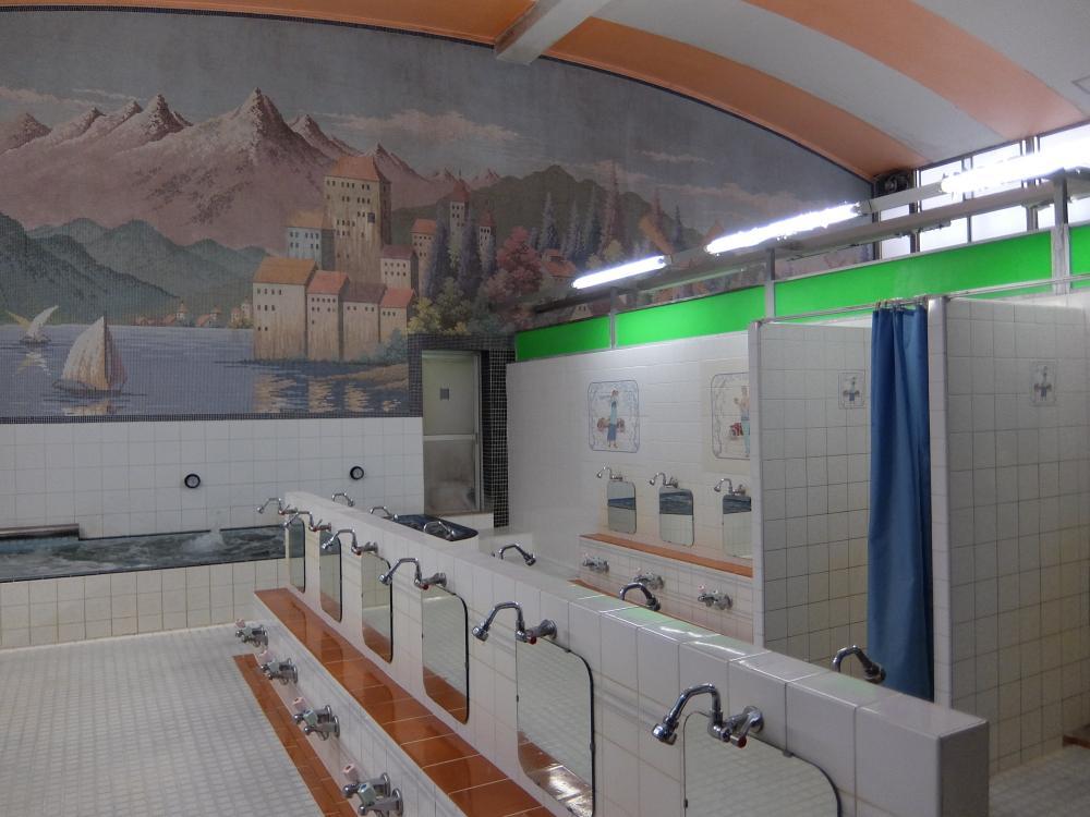 広尾駅から徒歩1分の場所にある昭和レトロ銭湯『広尾湯』
