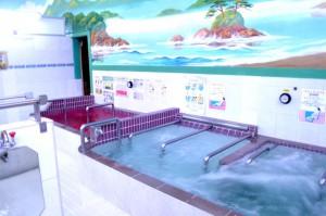 th_8.男湯浴槽