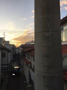 th_11煙突と夕焼け
